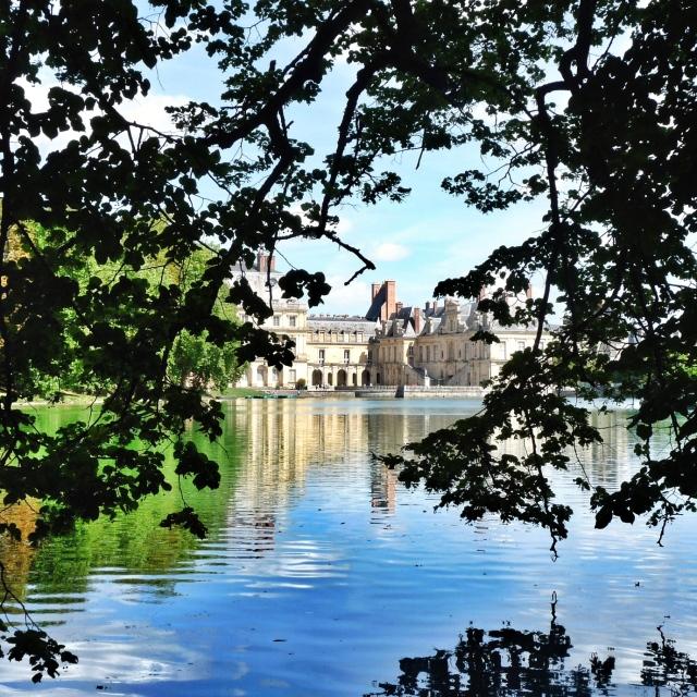 Fontainebleau, Vue de la Cour de la Fontaine depuis l'Étang aux Carpes