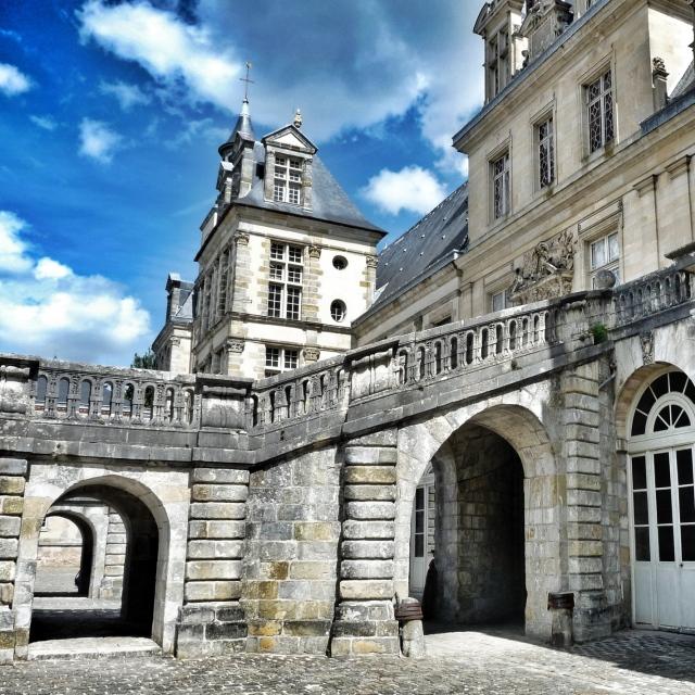 Fontainebleau, Cour d'honneur, Escalier du Fer à cheval