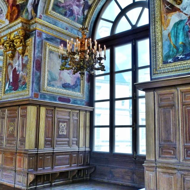 Fontainebleau, Dans la Salle de Bal