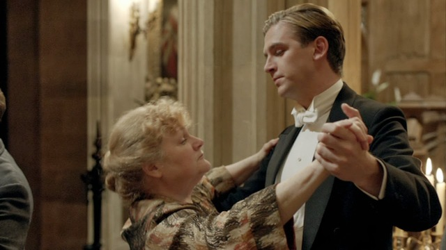 Downton_Abbey_s2_Christmas_Special_00831